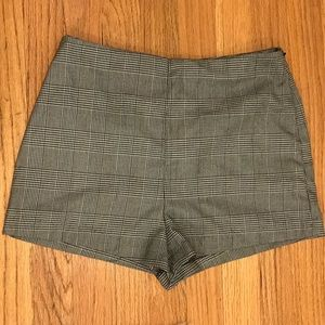 FOREVER 21 Checkered Shorts NWT